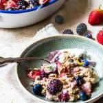 Very Berry Baked Oats. Weight watchers friendly breakfast or perfect for dessert. Super simple. No soaking required. Ready in 35 minutes. Sugar free. www.saltedmint.com