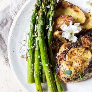 One Pan Lemon Roast Chicken and Asparagus.  The one pan wonder that will make dinner a dream to whip up in 40 minutes.