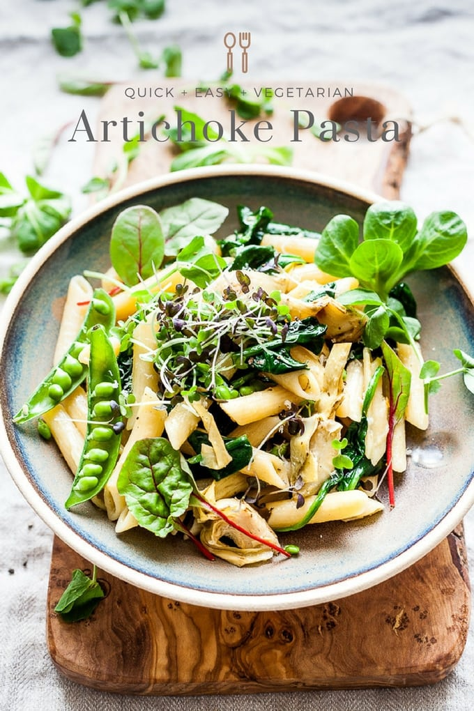 Recipe for Artichoke Pasta with lemon, fresh peas and spinach. Perfect for quick spring dinners. Meatless, filling and healthy. #pasta #vegetarian #dinnerrecipe #easydinner